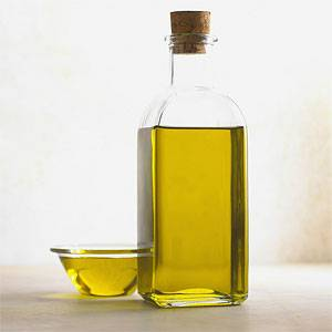 Hot Castor Oil Helps to Rid Cellulite